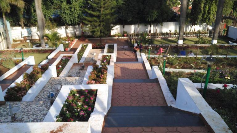 step-garden