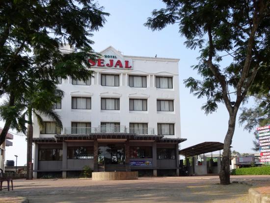 hotel-sejal-inn